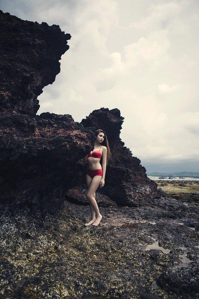 nong-bong-mat-shot-hinh-bikini-sieu-muot-cua-dien-vien-anh-tuyet (3)