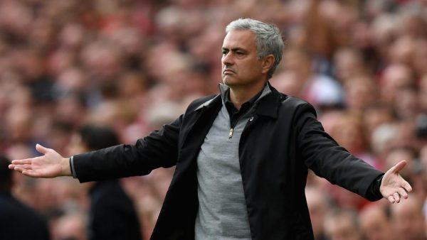 Mourinho được ủng hộ ở Tottenham